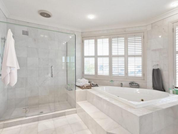 Verglasungen in Bad und Dusche